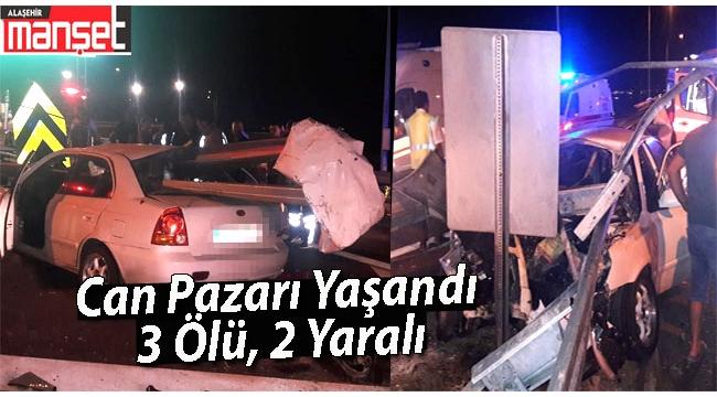 Otomobil Bariyerlere Çarptı:3 Ölü, 2 Yaralı